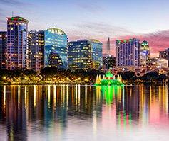 Imagen del horizonte de Orlando de noche
