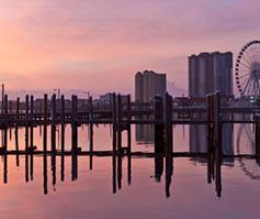 Imagen de pasarela de Pensacola, FL al atardacer