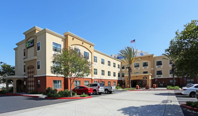 Furnished Studio – Orange County - Huntington Beach