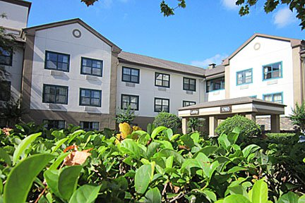 Furnished Studio – Orlando - Maitland - 1760 Pembrook Dr.