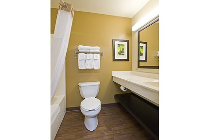 Awesome Calming Bathroom Paint Colors Thick Tile Backsplash In Bathroom Pictures Clean Master Bath Remodel Plans Shabby Chic Bath Shelves Young Hampton Bay Bath Lighting Fixtures DarkHome Depot Bathroom Images Edison   Raritan Center Hotel   Extended Stay America